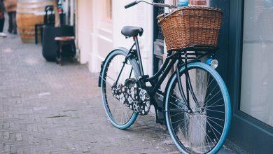 قانون جديد يسمح لراكبي الدراجات بالقيادة خارج الطريق المخصص للدراجات